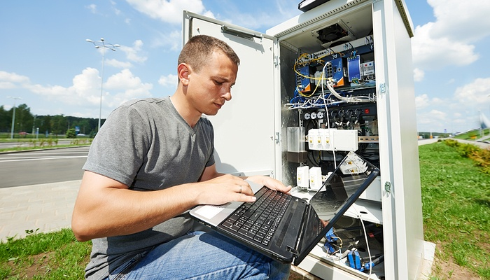 Rugged vs consumer devices: What's better for field services?
